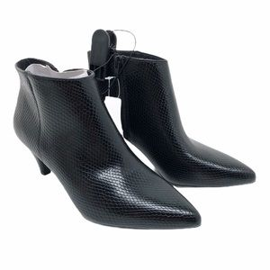 (SH-126) Time and Tru BootS Heel Black Size 8